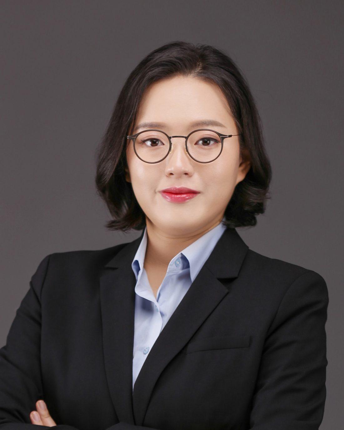Headshot of Jane Kim